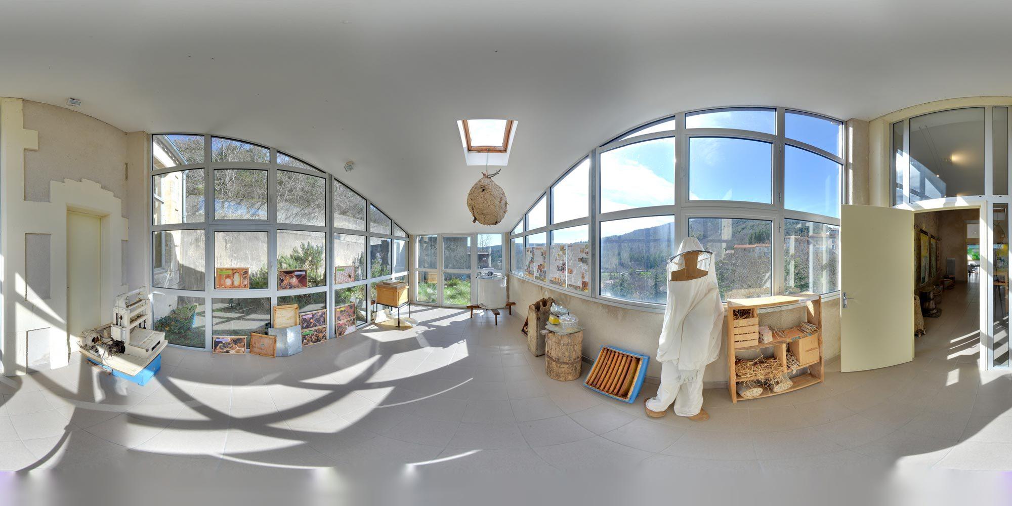 Panorama La Maison de l'abeille de Cassagnoles